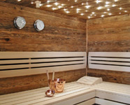 Moderne Altholzsauna